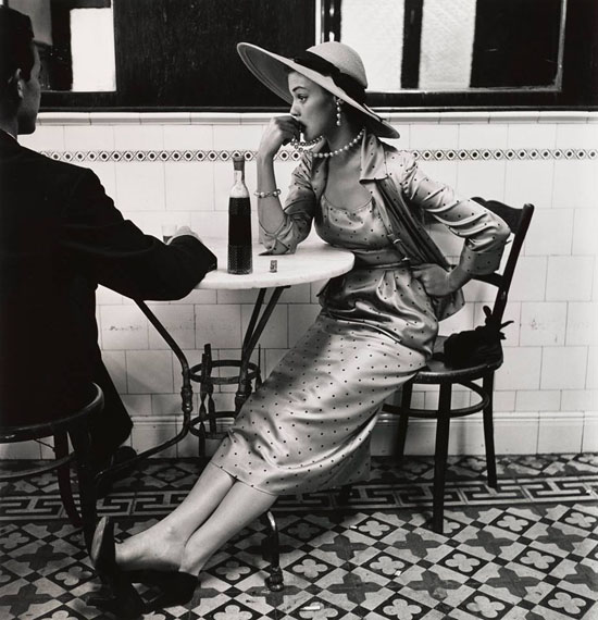 Cafe in Lima (Jean Patchett), 1948, The Metropolitan Museum of Art, New York, Promised Gift of The Irving Penn Foundation ©Condé Nast