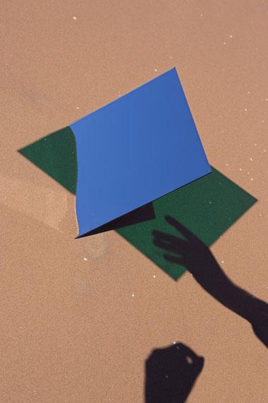 Viviane Sassen: Axiom GB01, 2014 C-print, 45 x 30 cm © Viviane Sassen