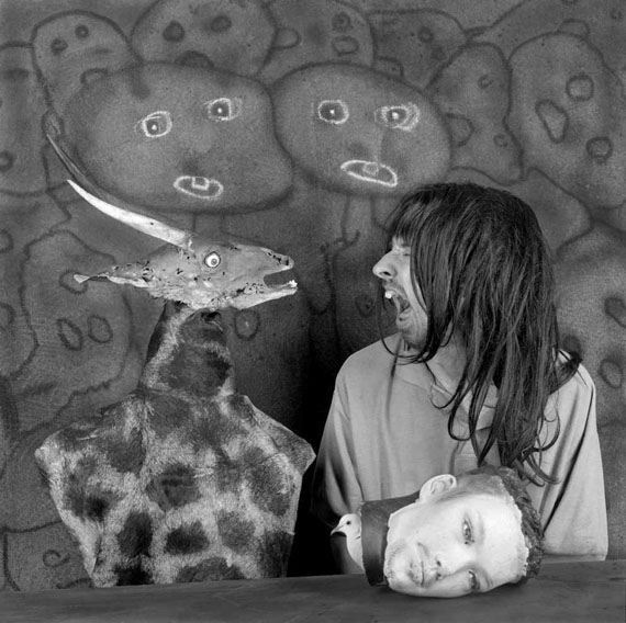 Roger Ballen: Altercation, aus Asylum of the Birds, 2012