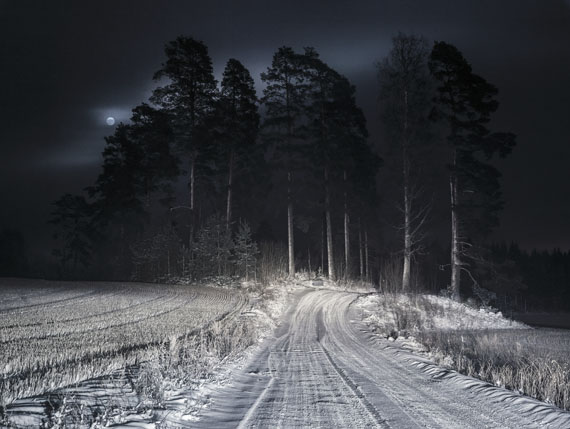 """Markus Henttonen Aus der Serie """"Twisted Tales – Road to Hope"""", 2012 - 2015Full Moon, 2015archival pigment print, framed, 60 x 80 cmEdition 1/6"""