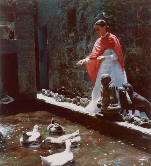Gisèle Freund, Frida Kahlo, Mexico City, circa 1951, C-Print, 44,2 x 34 cm© Gisèle Freund/IMEC/Fonds MCC