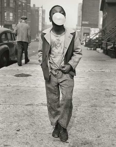 © Marvin Newman, Boy Blowing Bubble Gum, Chicago, 1951 | Courtesy of Howard Greenberg Gallery