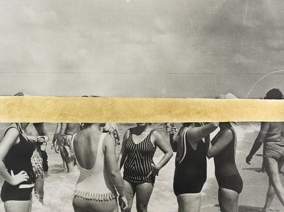 Carolle Bénitah: Group de femme à la plage, 2018, Gold leaf on Baryta paper, Archival Pigment Print, 30 x 40 cm, Edition of 5