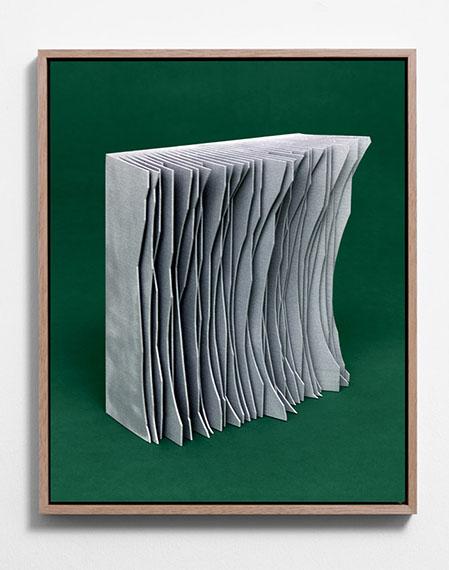 Michael Reisch: Ohne Titel (Untitled), 17/001, 2016 50 x 40 cm, Digital C-Print Kodak Endura Glossy, Mounted, Frame