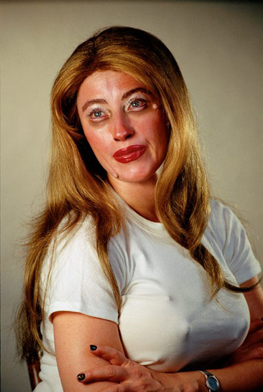 Cindy Sherman - artist, news & exhibitions - photography-now com