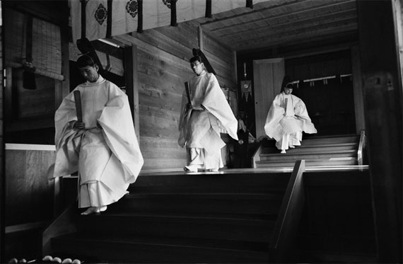 Werner BischofShinto Priests, Meiji Shrein, Tokyo, Japan, 1951Platinum-Palladium-Print, 56 x 76 cm, Edition of 5 & 2 APsigned and stamped by Estate © Werner Bischof/Magnum Photos