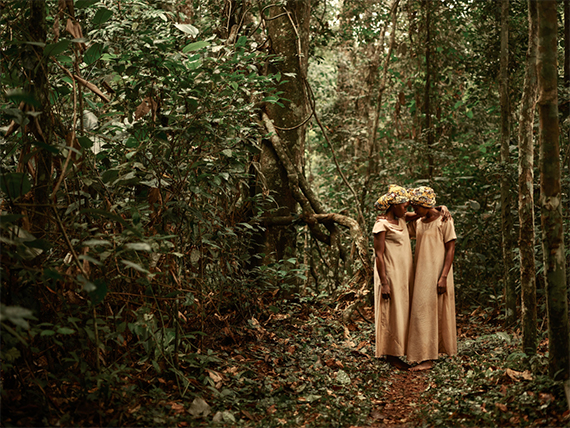 Pieter Henket, The Twins from the series Congo Tales, 2017. © Pieter Henket, courtesy Kahmann Gallery Produced by Tales of Us.