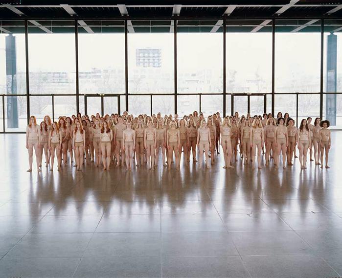 Vanessa BeecroftVB55 - Performance, 2005, VB55.004.NTNeue Nationalgalerie, Berlin, 2005© Vanessa Beecroft
