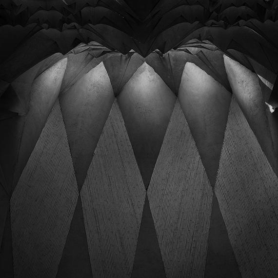 Gaudí 004, 2018, 14,5 x 14,5 cm, print on aluminum© Aitor Ortiz