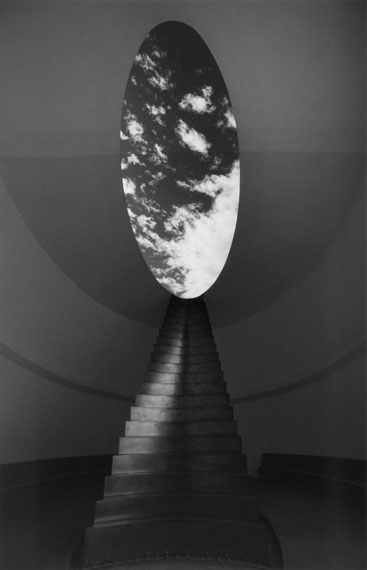 Barbara KlemmRoden Crater, Arizona, USA, James TurrellGelatin silver print, signed40 x 30 cm