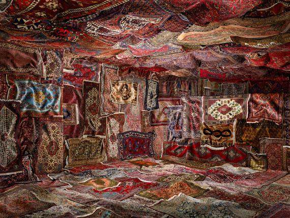 "Mona Schulzek: Ottomane, 2016 © Mona Schulzek, courtesy Vonovia Award für Fotografie 2019(1. Preis Kategorie ""Beste Fotoserie"")"