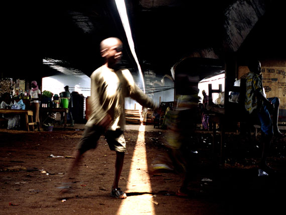 Under Bridge Life, 2008 © Uche Okpa-Iroha