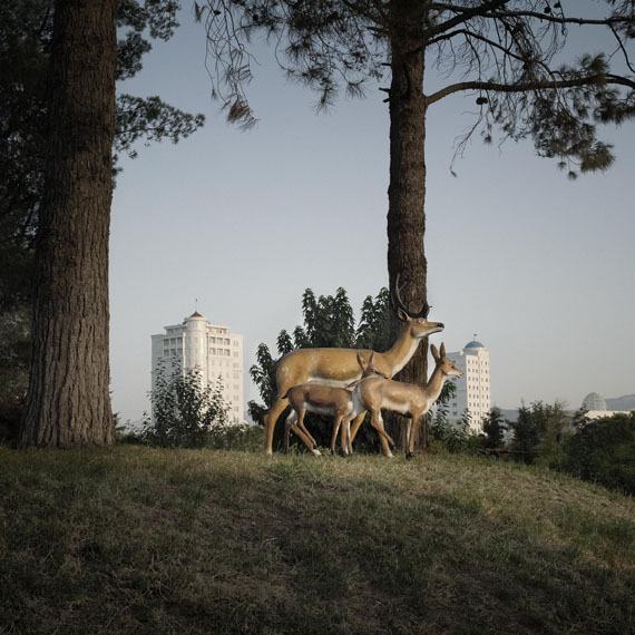 Deers, Turkmenbashi's World of Fairy Tales, Turkmenistan photo: Anoek Steketee