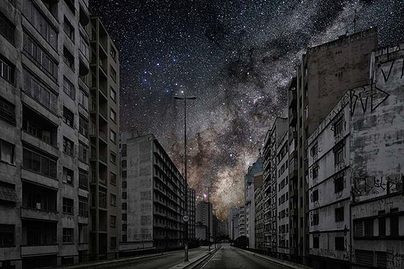 Darkened Cities/Villes eteintes