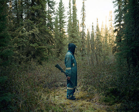 Dawin MeckelVern hunting pigeons, Canada 2012© Dawin Meckel / OSTKREUZ