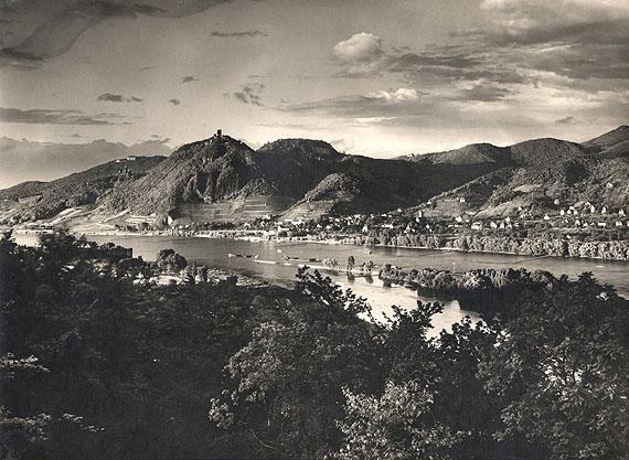 August Sander, Blick vom Rolandsbogen a. d. Siebengebirge, 1936, Vintage Gelatin Silver Print, 20.8 x 28.5 cm, Blindstamped on recto / Stamped on verso