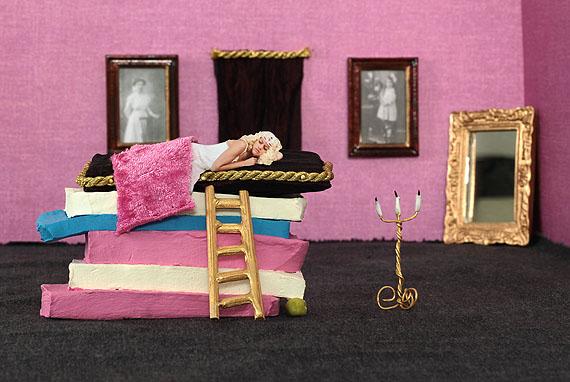 Beba Lindhorst: fairy tale minimes #8, 2012