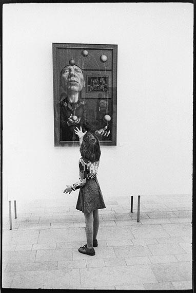 Evelyn Richter: Vor Rudolf Hausners Wandertag 3.b., 1978