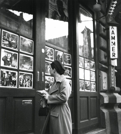 Karl Hubbuch, Bei den Kammer-Lichtspielen in Karlsruhe, nach 1931s/w-Fotografie, Städtische Galerie Karlsruhe © Karl Hubbuch Stiftung Freiburg