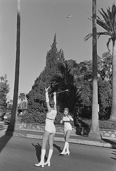 Pasadena CA 1974© Henry Wessel