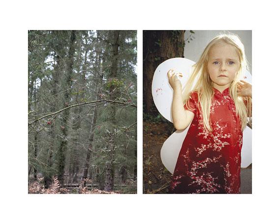 Ute Behrend                 Ast mit Beeren im Wald / Mädchen mit Schmetterlingsflügeln, 2011                 47,7 x 60 cm, Fine Art Print,                 © Ute Behrend