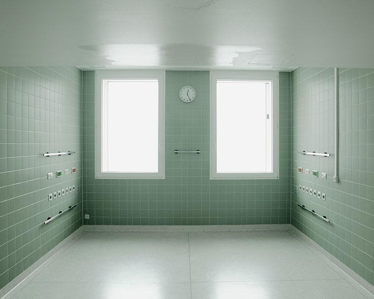 """Arnd Weider: Krankenhaus Moabit, 2010, aus der Serie """"Das Haus"""""""