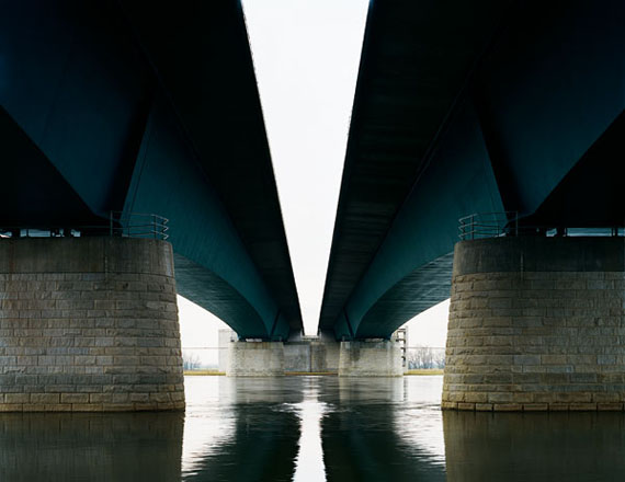 Hans-Christian Schink: A2 Elbebrücke Magdeburg, 2003