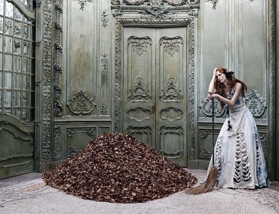 © Eugenio Recuenco · Cinderella 2005