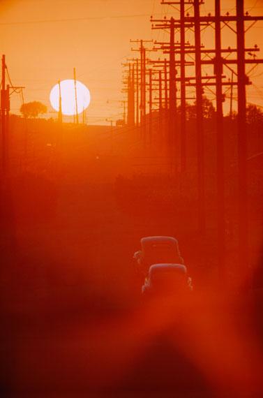 Sunset, Sepulveda Boulevard, Los Angeles, California, 1953 © Emil Schulthess / Fotostiftung Schweiz / ProLitteris