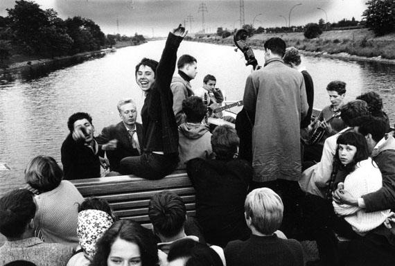 Will McBride, Riverboat, Berlin im Aufbruch, Fotografien 1956-1963 © Will McBride