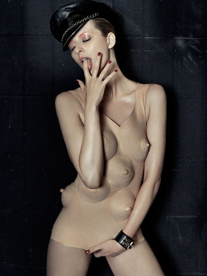 "Armin Morbach: Breast Dress (Eva Padberg), aus der Serie: ""Sex & Art"", 2010Archival Ink Jet Print. Sammlung F.C. Gundlach, Hamburg. © Armin Morbach"
