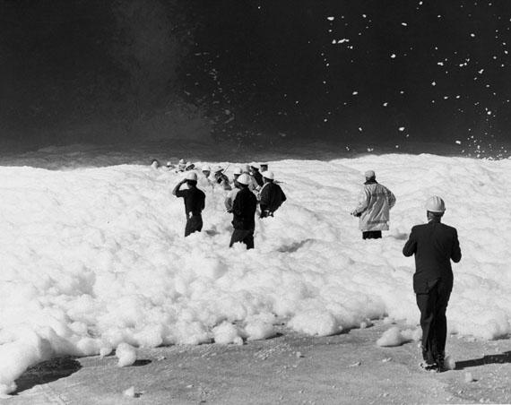 """Das Foto """"Schaum auf dem Mond"""" der Künstler Mike Mandel und Larry Sultan Evidence von 1977, ARTE France / © Mike Mandel & The Estate of Larry Sultan"""