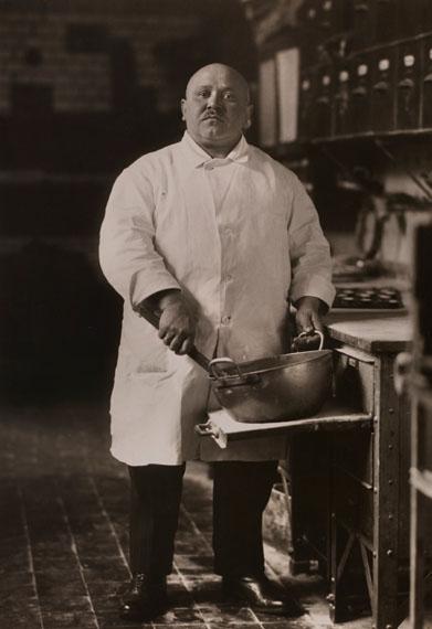 August Sander: Konditor / Pastrycook, 1928 © Photographische Sammlung/SK Stiftung Kultur, Cologne