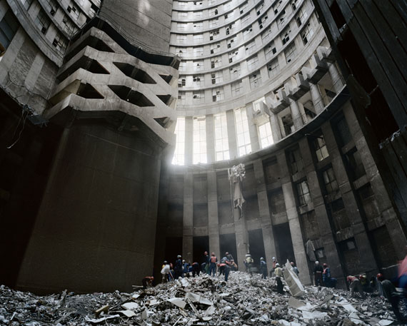 Michael Subotzky & Patrick Waterhouse: Ponte City, 2008-2013 © Magnum Photos