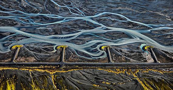Edward BurtynskyMarkarfljót River #3, Erosion Control, Iceland  2012Edition: 6Image Size: 35,13 x 68 inches, 89,2 x 172,7 cmCourtesy Galerie Stefan Röpke, Köln, Galerie Springer Berlin