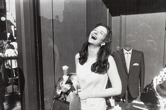 Garry WinograndNew York, 1968 © Garry Winogrand, courtesy of Lola Garrido Collection