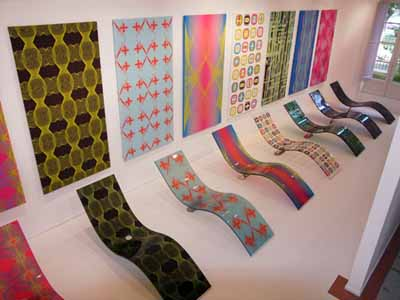digital prints and chaise longues