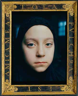 © Céline van Balen, Yesim, Amsterdam 1998. Dans un cadre cassetta espagnol du 17ème siècle