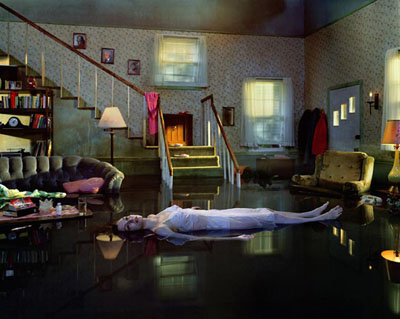 "Gregory Crewdson , ""Untitled"", from the series ""Twilight"", 1998-2002  , Digital C-print, 121,9 x 152, 4 cm  , Courtesy Luhring Augustine, New York  , © Gregory Crewdson"