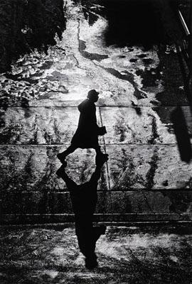Philadelphia, 1964 © Ray K. Metzker
