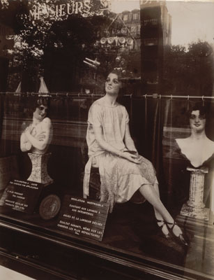 Eugène AtgetCoiffeur avenue de l'Observatoire, 1926 (Hairdresser Avenue de l'Observatoire)Series: Paris pittoresque, 3. SerieAlbumin print, 24 x 18 cmThe Museum of Modern Art, New York. Abbott-Levy Collection.