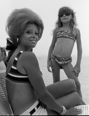 Mrs K and daughter, 1970 © Joseph Szabo