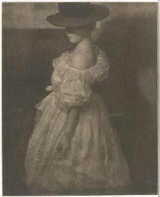 Heinrich KühnTonwertstudie II (Mary Warner), Aufnahme um 1908späterer AbzugGummigravürePrivatbesitz © Estate
