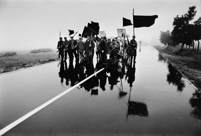 Michael Ruetz, Protestmarsch gegen Fluglärm der Hahn Air Force Base im Hunsrück, , 11. Juli 1969 , Stiftung Deutsches Historisches Museum