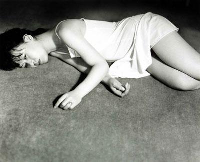 Nobuyoshi Araki, Aus der Serie: My Wife Yoko, 1968/1976. s/w-Fotografie, 25 x 30,4 cm. Österreichische Fotogalerie, MdM Salzburg. © Nobuyoshi Araki