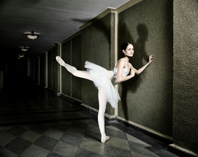 © Andrej Glusgold - Ballerina