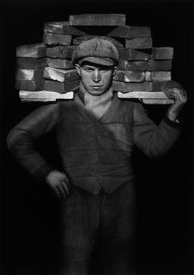 August Sander, Handlanger, 1928, ©Die Photographische Sammlung/SK Stiftung Kultur – August Sander Archiv, Köln; , VG Bildkunst, Bonn 2010