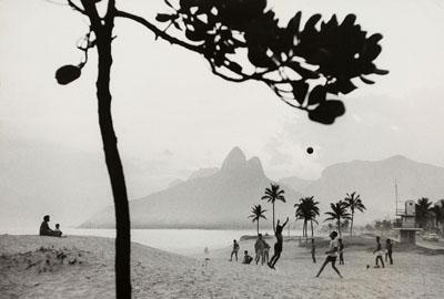 Lot 799René BurriFootball, Rio de Janeiro, Ipanema Beach. 1958Vintage, gelatin silver print, 19,8 x 28 cm