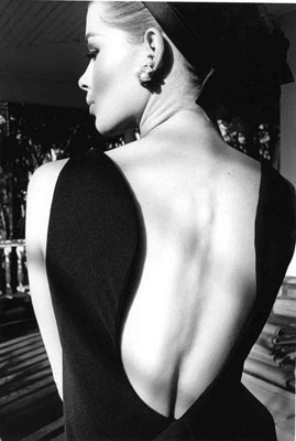 Jeanloup Sieff, Le dos d'Astrid, Harper's Bazaar, Palm Beach 1964, Gelatin Silver Print, printed later, Verso stamped and signed by the Estate, 50,5 x 40,5 cm, © The Estate of Jeanloup Sieff, COURTESY BERNHEIMER FINE ART PHOTOGRAPHY