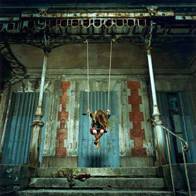 © René & Radka, The swing, Courtesy Galerie Philippe Chaume, Paris